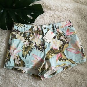 Billabong printed denim shorts